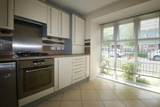 Thumbnail Property to rent in Dariel Close, Cippenham, Slough