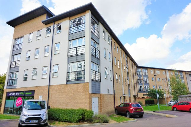 Thumbnail Flat for sale in Southernhay Close, Basildon