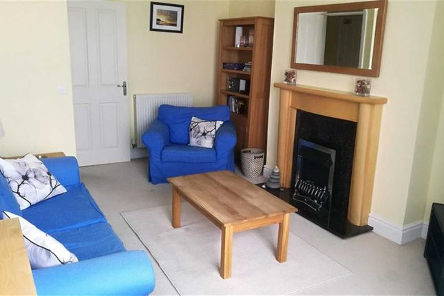 Thumbnail Flat to rent in South Marine Terrace, Aberystwyth
