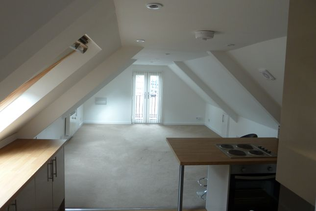 Thumbnail Flat to rent in 71A Station Road, Liss