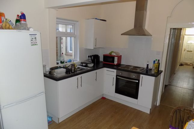 Thumbnail Flat to rent in Margate Road, Southsea