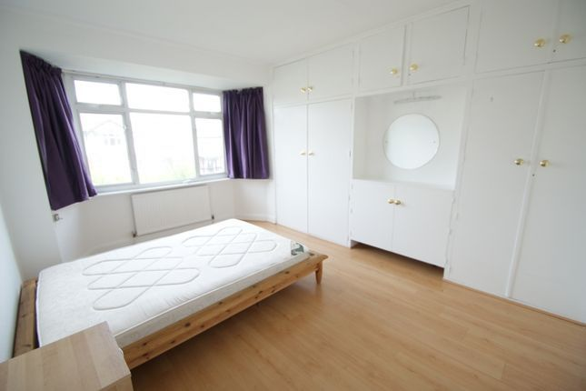 Thumbnail Barn conversion to rent in Ermine Road, London