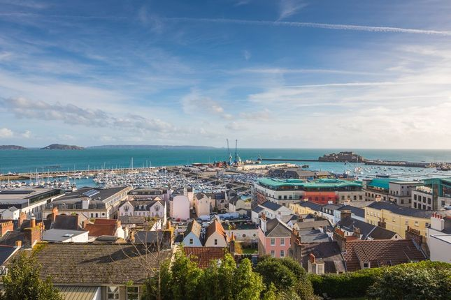 Thumbnail Detached house to rent in Les Cotils, St. Peter Port, Guernsey