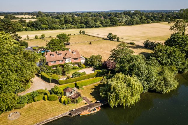 Thumbnail Detached house for sale in River Road, Taplow, Buckinghamshire