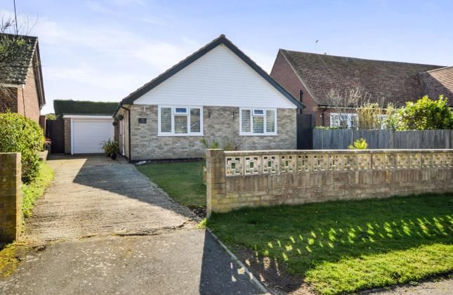 Thumbnail Bungalow for sale in Queens Road, Littlestone, New Romney, Kent