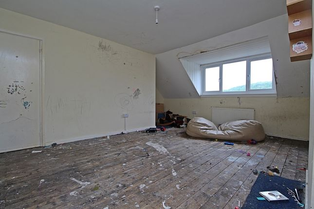 Bedroom 1 (2) of Treneol, Cwmaman, Aberdare CF44