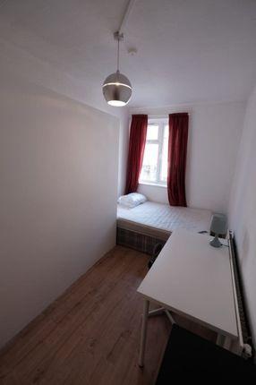 Room 4, Camden High Street, London NW1