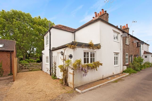 Thumbnail Cottage to rent in Maidenhead Road, Windsor