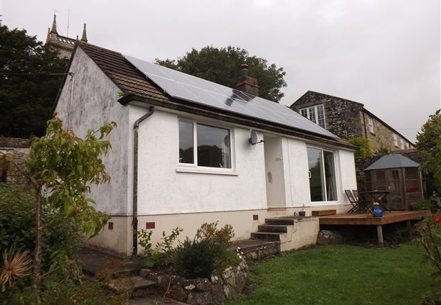 Thumbnail Bungalow for sale in Cross Street, Helston