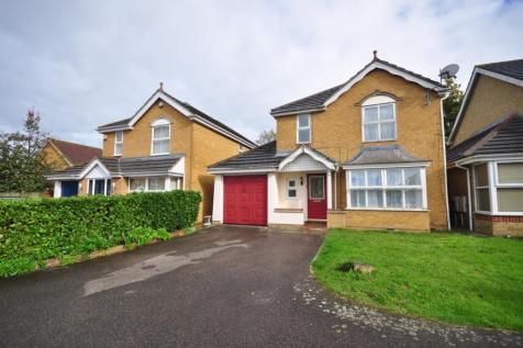 Thumbnail Detached house to rent in Clitherow Gardens, Crawley