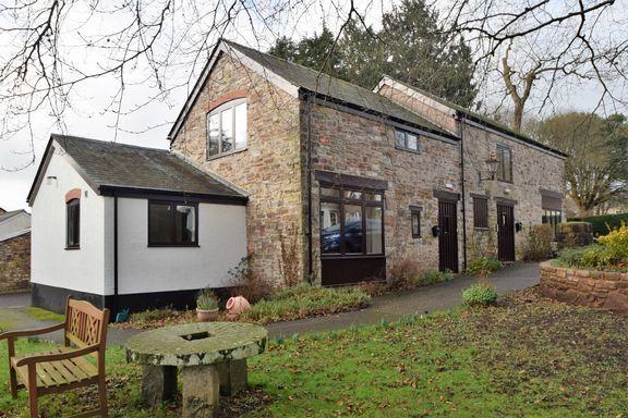 Thumbnail Flat to rent in Castle Street, Bampton, Tiverton