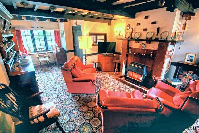 Lounge of Little Poulton Lane, Poulton-Le-Fylde FY6
