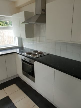 Thumbnail Country house to rent in Frant Road, Thornton Heath