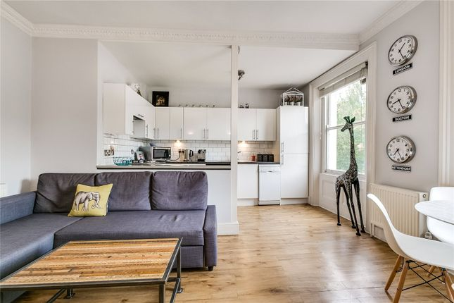 Thumbnail Flat to rent in Royal Crescent, Holland Park, London