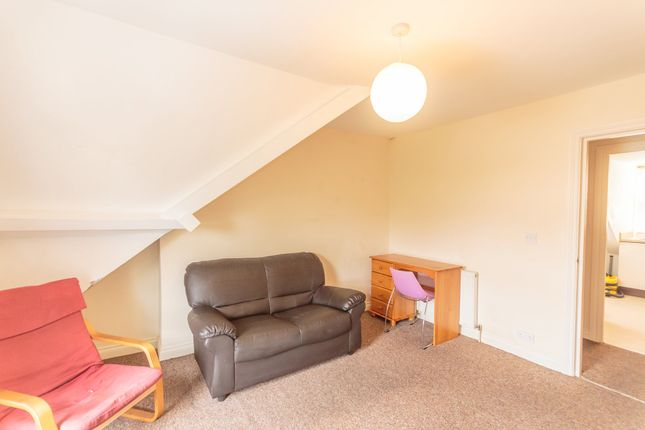 1 bed flat to rent in Napier Terrace, Mutley, Plymouth PL4
