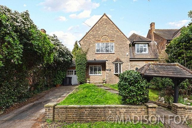 Thumbnail Property for sale in Brook Way, Chigwell