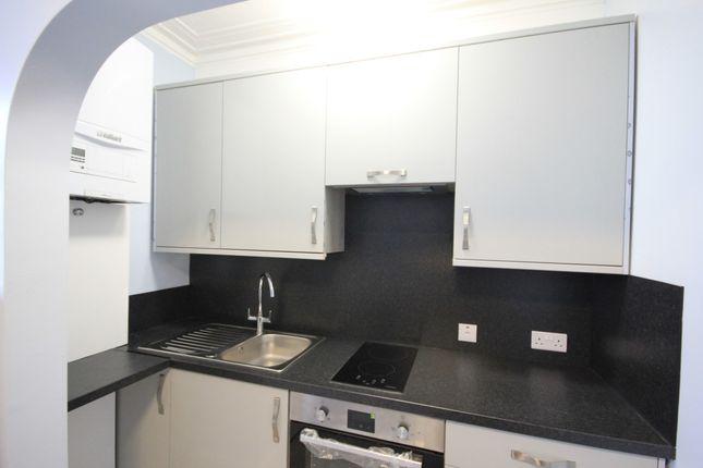 Kitchen of Grovelands Road, Reading RG30