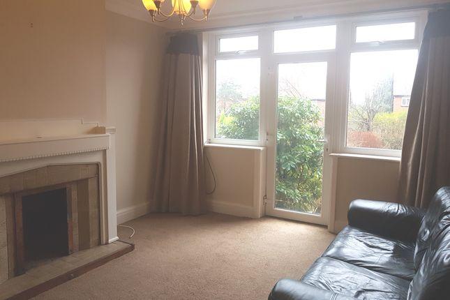 Thumbnail Flat to rent in Lidgett Lane, Moortown, Leeds