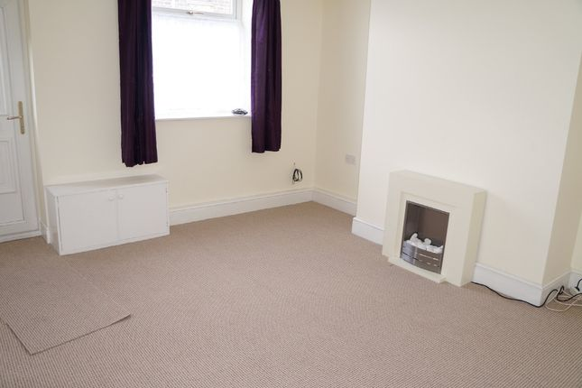 Thumbnail Terraced house to rent in Dunham Street, Lees, Oldham