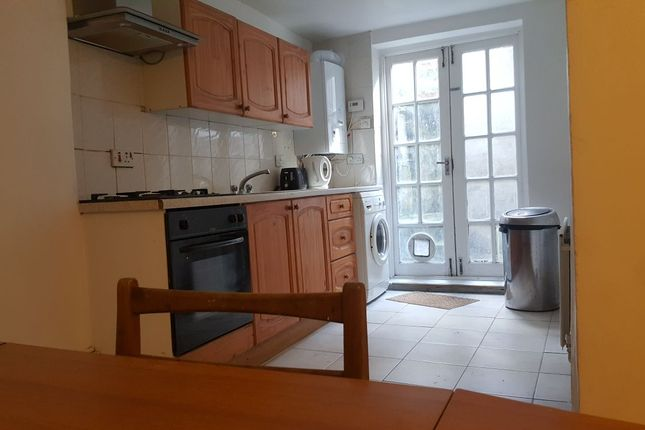2 bed terraced house to rent in Allen Road, London