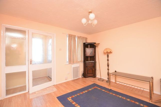 Thumbnail Terraced house to rent in Ingleside, Colnbrook, Slough