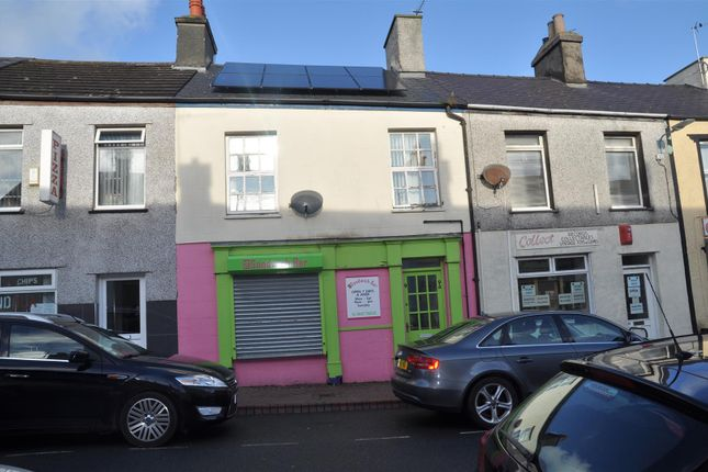Thumbnail Flat for sale in William Street, Holyhead