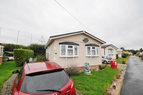 Mobile Park Home For Sale In Selwood Weymans Avenue Bournemouth