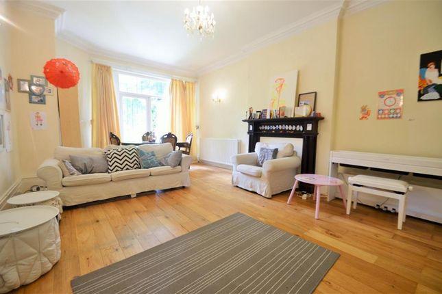Thumbnail Flat to rent in Corfton Road, Ealing