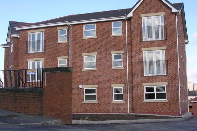 Thumbnail Flat to rent in Plumpton Mews, Widnes