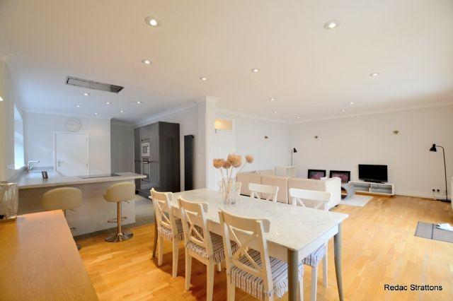 Thumbnail Bungalow to rent in Sevington Road, Hendon Central, Hendon, London
