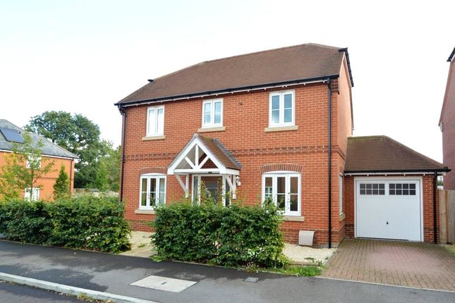 Thumbnail Property for sale in Blackberry Gardens, Winnersh, Berkshire