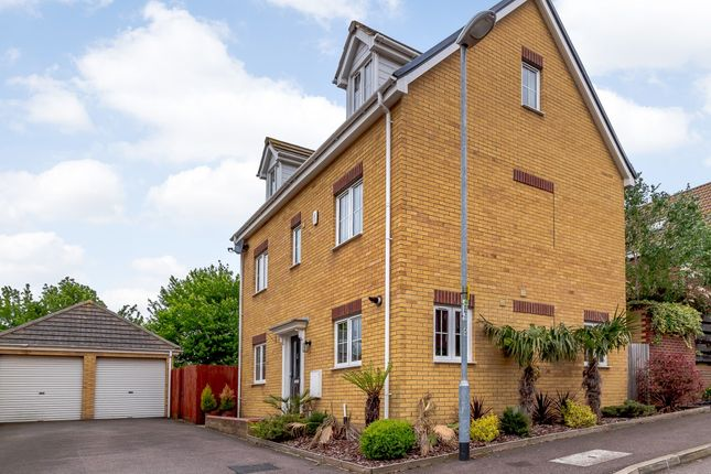Thumbnail Detached house for sale in Boundary Close, Henlow