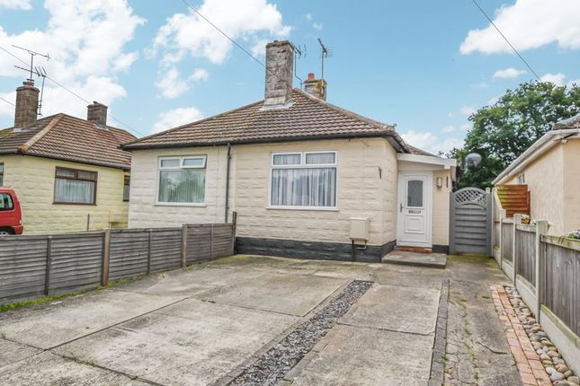Bungalow to rent in Inglenook, Clacton-On-Sea