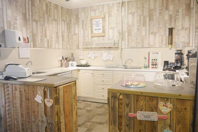 Photo 3 of Lisa's Little Tearoom, 11 Barmoor Terrace, Ryton NE40