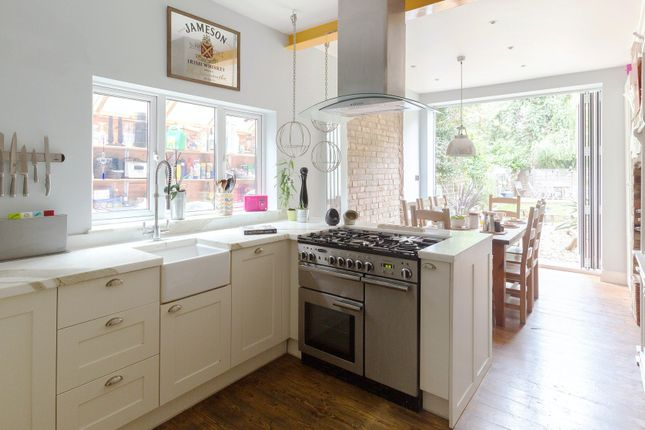 Thumbnail Town house to rent in Willingdon Road, London