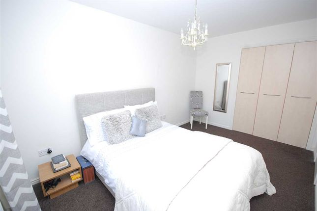 Bedroom 1: of Meiklelaught Place, Saltcoats KA21