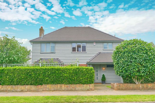 Thumbnail Detached house for sale in Kingsmead, Seaford