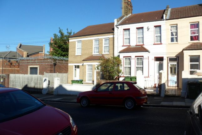Thumbnail Terraced house to rent in Waverley Road, Woolwich, London