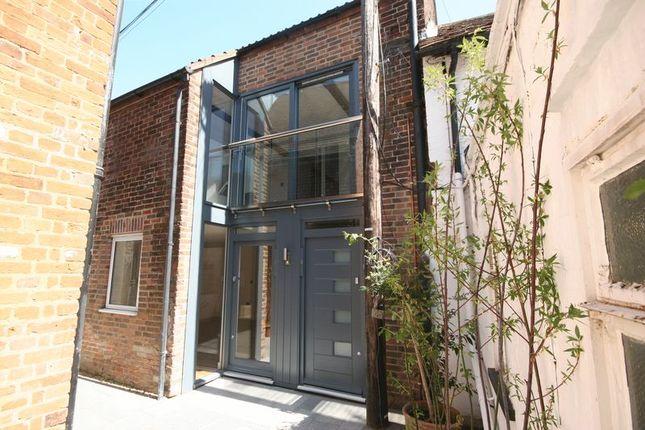 Thumbnail Property to rent in The Borough, Farnham