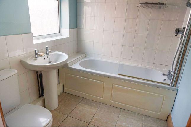 Bathroom of Ripon Street, Grimsby DN31