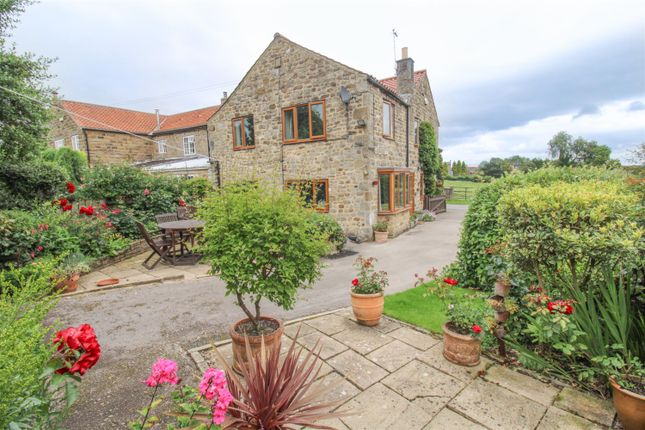 4 bed end terrace house for sale in Galphay, Ripon HG4