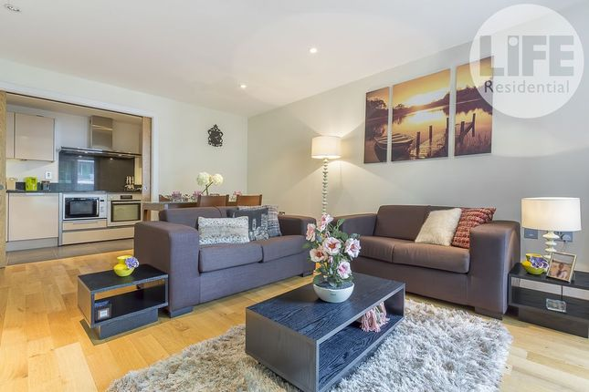 2 bed flat to rent in Hamilton House, 6 St George Wharf, London, London