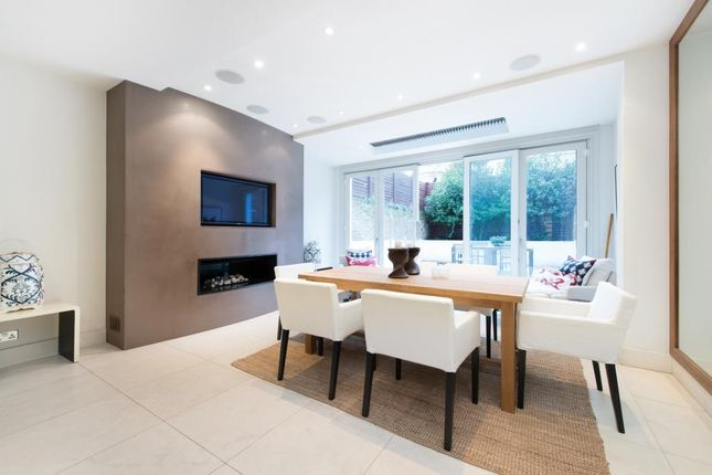 Thumbnail Terraced house to rent in Graham Terrace, Belgravia, London