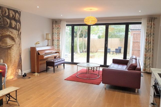 2 bed detached bungalow for sale in Palmerston Road, Bowes Park, London N22