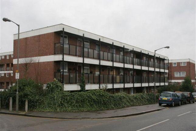 Thumbnail Flat to rent in Clarence Lane, London