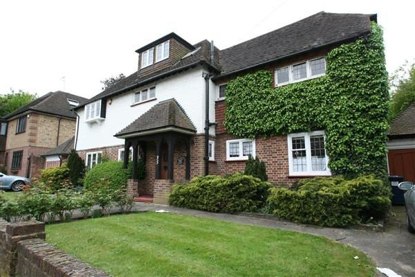 Thumbnail Detached house to rent in Cedars Close, Hendon