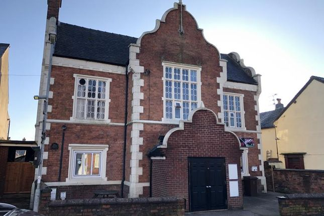 Leisure/hospitality to let in 19, Bank Street, Cheadle