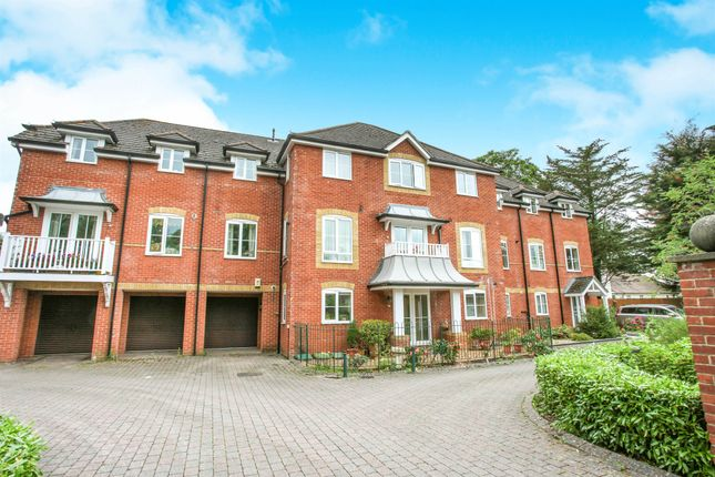 2 bed flat for sale in Salisbury Road, Fordingbridge SP6