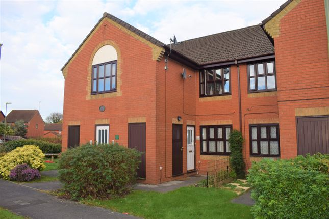 Thumbnail Maisonette to rent in Russett House, Mallow Road, Hedge End