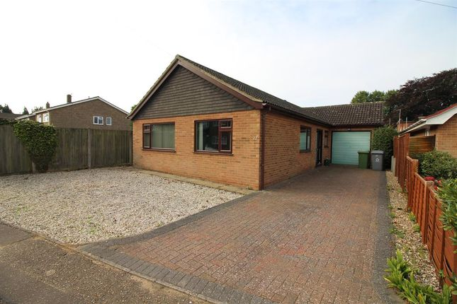Thumbnail Bungalow for sale in Chapel Court, Norwich